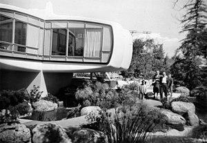 Monsanto House of the Future - Image: Monsanto Plastics Home of the Future, Disneyland, 1958 (15364290924)