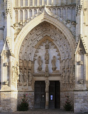 Montreuil, Pas-de-Calais - Image: Montreuil Saint saulve portail