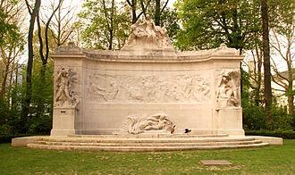 Thomas Vinçotte - stone monument to Pioneers of the Belgian Congo, at the Parc du Cinquantenaire, Brussel, 1921