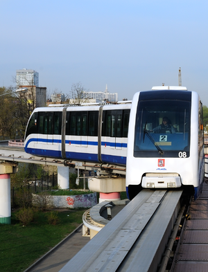 Moscow monorail approaches start of line near Timiryazevskaya station.png