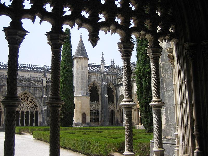 Image:Mosteiro da Batalha - Claustro 3.jpg