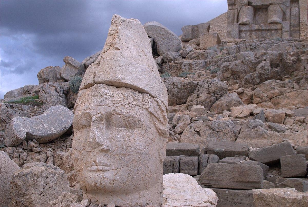 Mount Nemrut (4).jpg