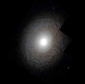NGC 2775 - Image: NGC2775 hst R814GB450