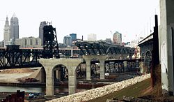 New Cleveland Innerbelt Bridge Construction.jpg