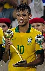 Neymar Trzymajacy Zlota Pilke Dla Najlepszego Zawodnika Puchar Konfederacji