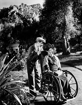 Night Must Fall (1937 film) - Robert Montgomery and Dame May Whitty in Night Must Fall