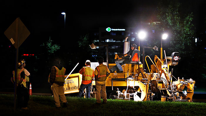 Night paving 03 paver crew.jpg