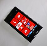 Nokia Lumia 925 2014 by-RaBoe 01.jpg