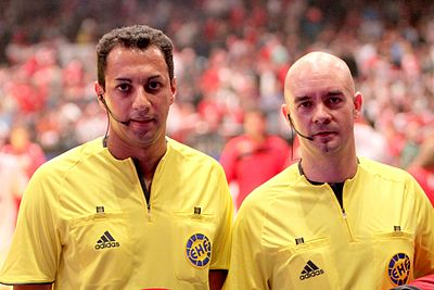 Nordine Lazaar et Laurent Reveret, arbitres internationaux français. - Handball
