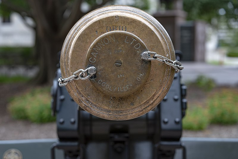 File:Ohio Statehouse Cannon Barrel 1.jpg