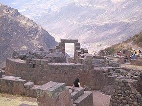 Ollantaytambo bol administratívny, náboženský, poľnohospodársky a vojenský komplex Inkov