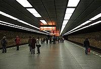 Opatov metro C 5992.JPG