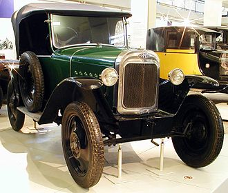 Opel Laubfrosch - Opel Laubfrosch featuring the pre-1928 radiator.   Just visible: on these early models the fuel filler was positioned centrally ahead of the windscreen.