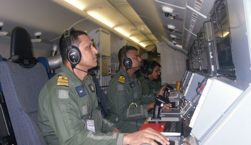 Operators on Indian Navy%27s Boeing P-8I search for Malaysia Airlines Flight 370 (2).JPG