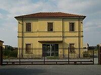 Orzinuovi - ex stazione ferroviaria.jpg