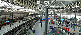 Overview of Leeds City railway station 12.jpg