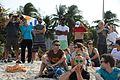Público assiste à competição de vela na Praia do Flamengo (28238037964).jpg