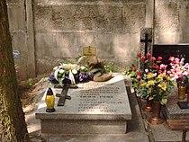 PL Lodz Doly Cemetery Katarzyna Kobro.jpg