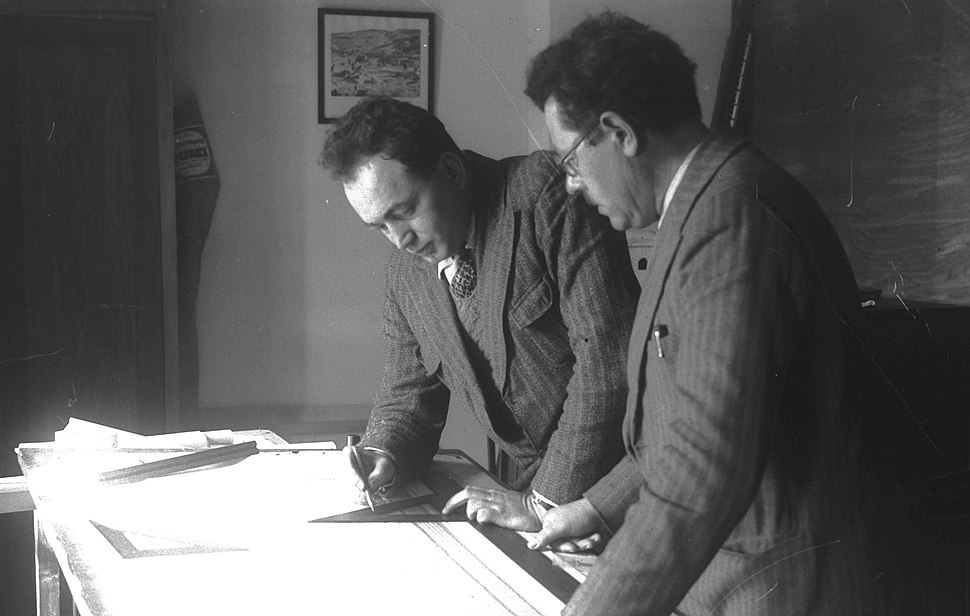 PROF. ELIEZER SUKENIK (R) AND PROF. AVIGAD TAKING MEASUREMENT ON A SKETCH OF A MUSAIC AT THE HEBREW UNIVERSITY IN JERUSALEM. הארכיאולוגים פרופסור אליע