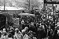 Paasdrukte in Amsterdam, drukte op de Bloemenmarkt op het Singel, Bestanddeelnr rukte in Amsterdam, drukte op de Bloemenmarkt op het Singel.jpg