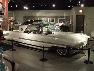 1956 Predictor concept, at the Studebaker National Museum Packard Predictor, SNM, 2011.JPG
