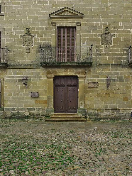 File:Palacio de Rubín de Ceballos (Baeza). Portada.jpg