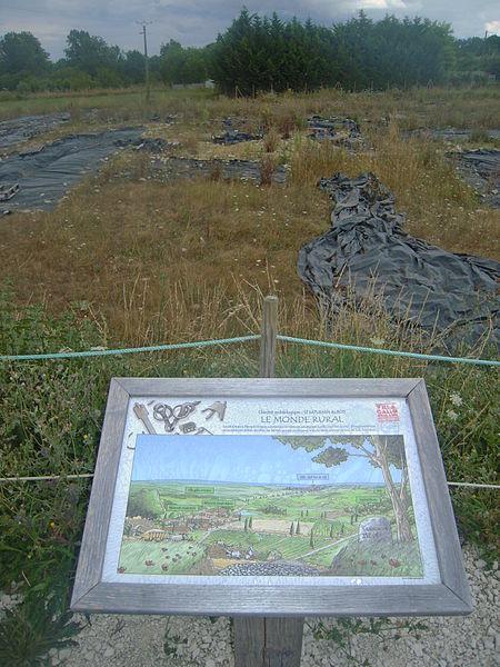 Panneau sur les paysages historiques de Saint-Saturnin-du-Bois