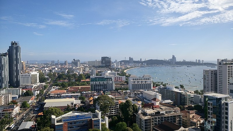 File:Pattaya in daytime June 2017.jpg