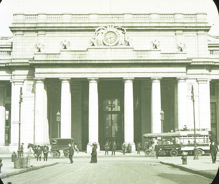 File:Penn Station NY view of entrance 1910 - 1963.jpg