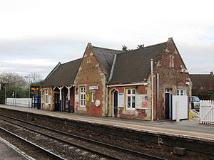 Pewsey railway station - Image: Pewsey station in 2013 down side building