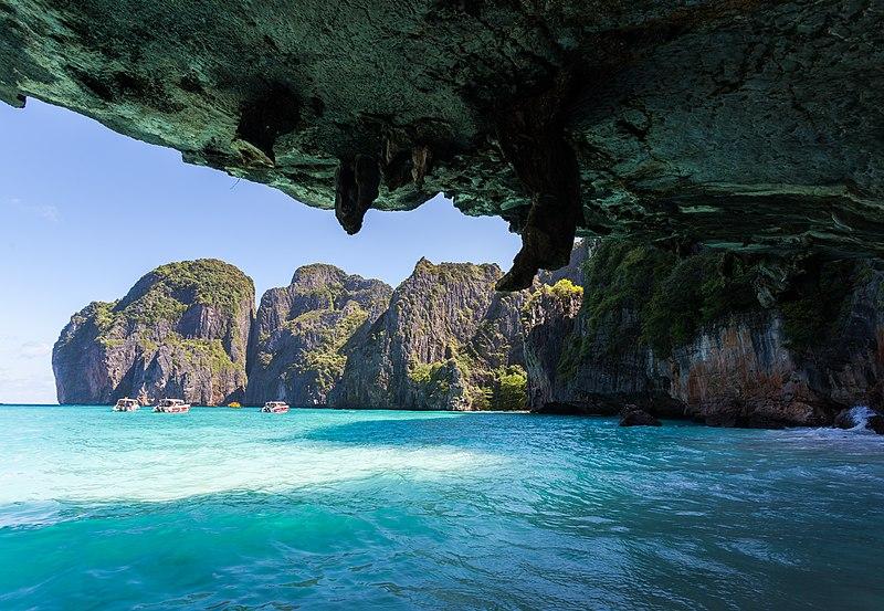 800px-Playa_Maya%2C_Ko_Phi_Phi%2C_Tailan