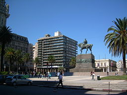 Plaza de la Independencia, UY.JPG