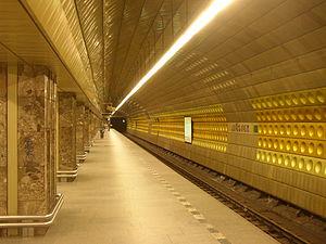 Můstek - Line A platform