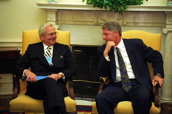 President Bill Clinton meets with Lee Iacocca in 1993