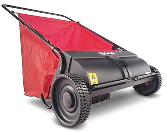 Lawn sweeper - Push lawn sweepers are lightweight and ideal for smaller lawns