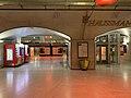 Quais RER E Gare Haussmann St Lazare Paris 2.jpg