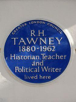 Photo of R. H. Tawney blue plaque