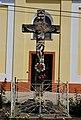 Raspeće Isusa Hrista ispred Katoličke crkve u Adorjanu.jpg