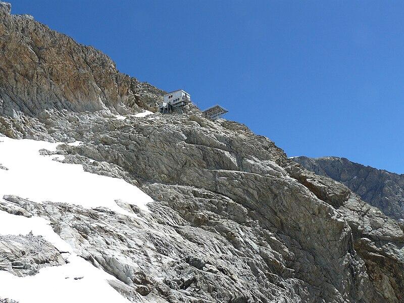refuge du promontoire (source: wikipedia)