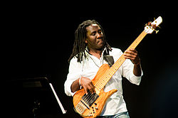 Richard Bona på Dinant Jazz Nights 2009.