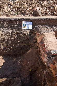 Richard III burial site.jpg
