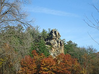Governor Dodge State Park - Image: Rockledgeamongtrees