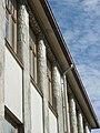 Ruotsalainen yhteiskoulu, sisäpihan puoli, katonraja.jpg