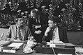 SER-vergadering v.l.n.r. Wim Kok , Halberstadt en De Galan, Bestanddeelnr 932-9476.jpg