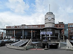 SHertogenbosch, NSstation foto3 2011-06-18 13.22.JPG
