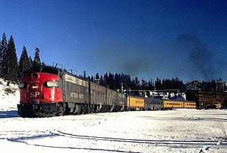 """Amtrak paint schemes - A """"Rainbow Era"""" Amtrak trainset, 1971"""