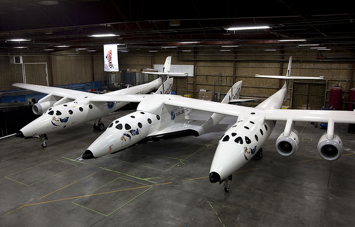 Virgin galactic shows off mothership aircraft