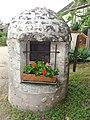 Saint-Claude-de-Diray (Loir-et-Cher) puits fleuri.JPG