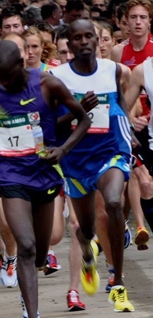 Sammy Kitwara - Kitwara behind Boniface Kirui at the Singelloop Utrecht in 2011