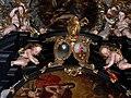 Sankt Wolfgang Kirche - Rosenkranzaltar 4 Wappen.jpg